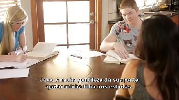 Pornô legendado em português as aventuras do jake estudando na casa da amiga