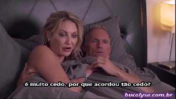 Orgia em família na cama dos pais pornô legendado