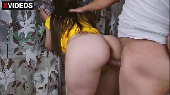 Sexo caseiro - Fodendo a ex namorada e gozando na bucetinha dela